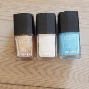 Chanel neglelakke i farverne  - 607 Delight  - 331 Allegoria  - 551 Coco Blue   Brugt meget få gange. De har lagt mørkt og køligt og fejler intet. Ønskes de enkeltvis kan det godt lade sig gøre. Kan sendes med DAO mod at køber betaler portoen.