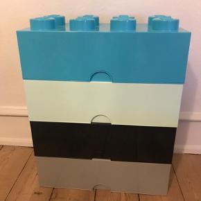 Lego opbevaringskasser. Brugt lidt, men i super fin stand. Fra røg- og dyrefrit hjem.