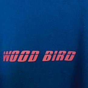 Trøjen er fra woodbird