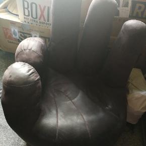 Sjov fingerstol som er rigtig god at sidde i.