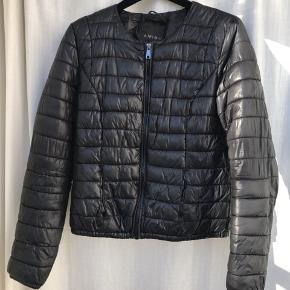 - Sort jakke fra amisu - str 34