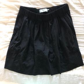 Fin nederdel i ruskind.🌸☀️