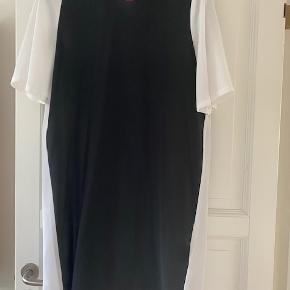 Love Moschino kjole