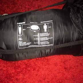 À vendre sac de couchage comme neuf utilise une seule fois acheté au magasin 80.- il y a une année à venir cherche sur place pas de réservation ni négociations merci .