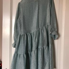 Smuk kjole fra Baum und pferdgarten, som ny
