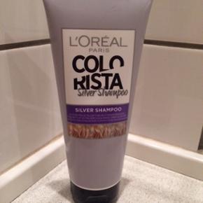 L'oréal Silver Shampoo. Der er halvdelen tilbage.  Fast pris.  Nypris: 55 kr.  Bytter og sender ikke.
