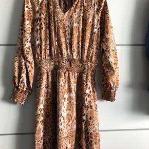 Helt ny kjole i butikkerne nu