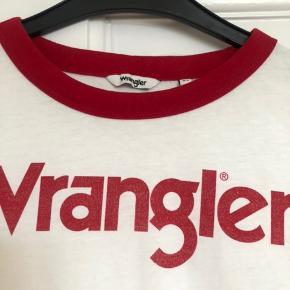 Fed tætsiddende wrangler t-shirt i blødt materiale se sidste billede  Aldrig brugt.