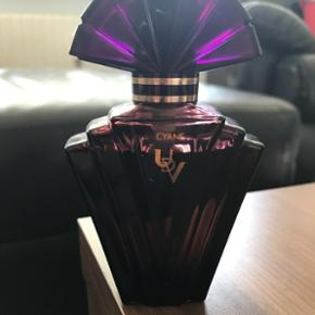Ulric de Varens - Cyane perfume.50ml edp. Der er brugt en lille smule.