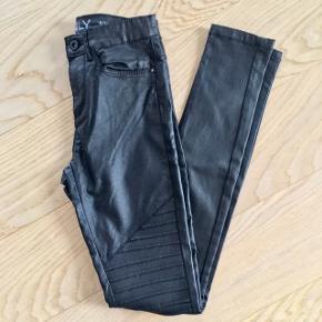 Sorte biker jeans - fin stand, kom gerne med realistisk bud 👖
