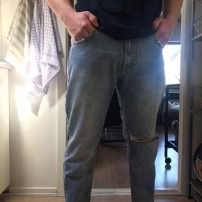 Fede jeans fra Just Junkies. Modellen hedder King Cropped og de er aldrig brugt (fejlkøb)   Størrelse: 32  Nypris: 700,-
