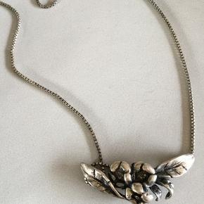 Ægte sølv 925 Længde ca. 40 cm.