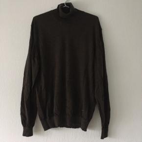 Brun sweater strik m. højhalset, str. XL/42