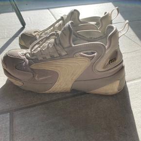 Sælger disse Nike Zoom sneakers, da jeg ikke kan passe dem mere. Str. 40 I super fin stand