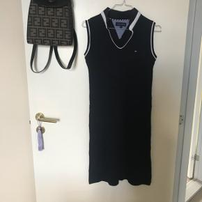 Vintage Tommy kjole - kan passes af str S og M