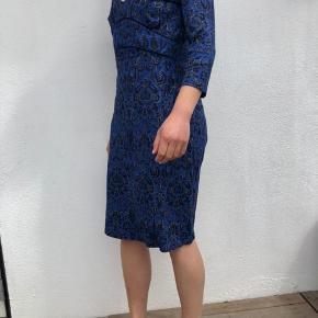 Virkelig fin kjole som sælges da jeg ikke får den brugt. Så god som ny - alle bud er velkomne :)