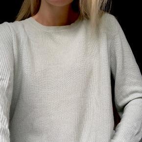 Sælger denne fine mintblå bluse fra Envii. Sælges da den ikke længere benyttes. Sendes på købers regning. Søgeord: Monki, Loftet, Envii, Mads Nørgaard, sweater, strik, Weekday