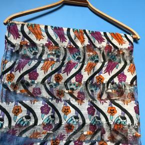 Fineste tørklæde mål 2 meter  langt 64 cm bredt, brugt få gange vasket 1 gang   #30dayssellout