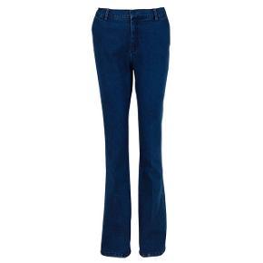Helt nye neo noir cassie bukser i denim. Meget elastiske og rumlige.  Str.xl og aldrig brugt   Sendes med Dao