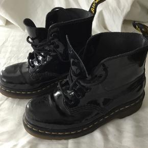 Dr. Martens Andre sko til drenge