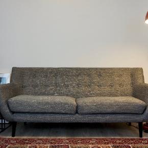 Dybde: Ca  75 Længde: Ca 185 Højde: Ca 80  Hentes i Odense C