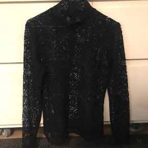 Designers remix blonde bluse med høj hals, helt ny. Str. M