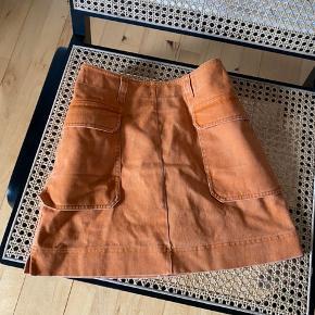 super sød nederdel fra H&M TREND, kun brugt én enkelt gang. Nypris: 399 str: 34 (xs) - byd!