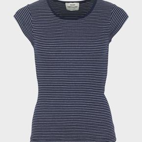 Mads Nørregaard trappy t-shirt med navy og hvide striber i str. small