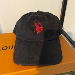 U.S. Polo Assn. hue & hat