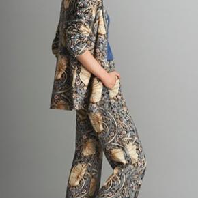 Bukser fra H&M samarbejde med Morris & Co. 🌷