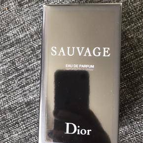 Sauvage eau de parfum 60 ml - aldrig brugt! Byd ☺️