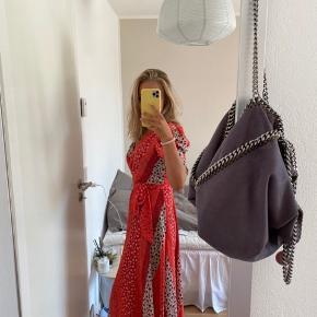 Sælger denne smukke kjole fra hm❤️  Byd endelig gerne