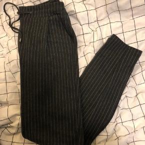 Løse bukser