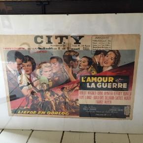 flot gammel filmplakat i skifteramme. L'Amour et la Guerre. Plakatens mål 54,5x36cm, rammens mål 50x70cm. 150kr Kan hentes Kbh V