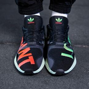 Lækker Adidas ZX 4000 4D (EF9625) som kun er prøvet på en enkel gang. Størrelse 44 EU.  Der medfølger alt OG  Har du spørgsmål til skoene så skriv endelig 😉