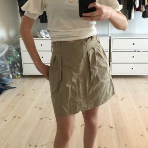 Safari nederdel fra mango, brugt få gange! Byd
