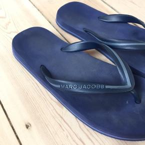 Fine sandaler / flip flops fra Marc Jacobs / Marc Jacobs sandaler / flipflops / havaianas / fine blå sandaler fra Marc Jacobs 💫