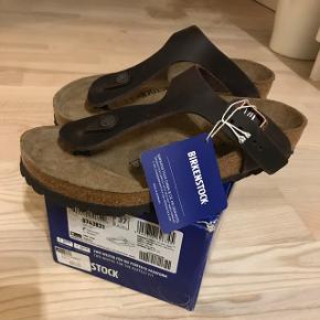 Birkenstock i brun skind, aldrig brugt (prismærke sidder på) - ny pris 850 Fejlkøb