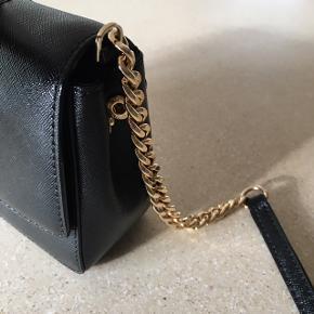 Kun brugt et par gange Lækker lille skulder taske
