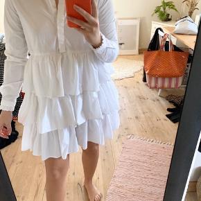 Mega fin kjole fra Envii. Brugt enkelte gange. Np 500. Mp 250