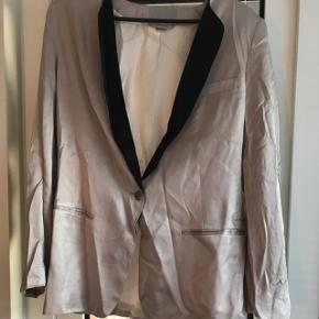H&M blazer i silke str 44