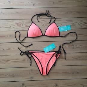 ☀️Justerbar bikini str. 38 Aldrig brugt.   Kan hentes i Odense sv eller sendes mod betaling af Porto :)