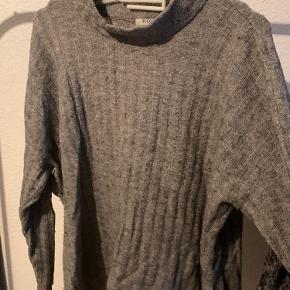 Brugt sweater. Sælges da jeg ikke får den brugt