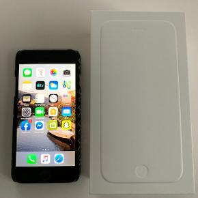 IPhone 6 med 16 GB i farven Space Grey. Få brugstegn. Virker upåklageligt 👍 Pris 1200 kr.