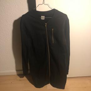 Lang cardigan/sweatshirt