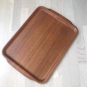 Serveringsbakke i teaktræ Mål: 37x52 cm