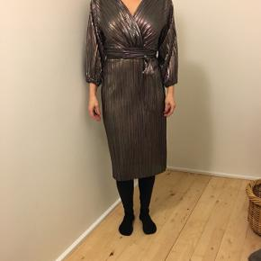 Ny smuk kjole