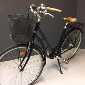 Mustang Dagmar sort damecykel str. 52 cm. Med kurv. Køre perfekt.