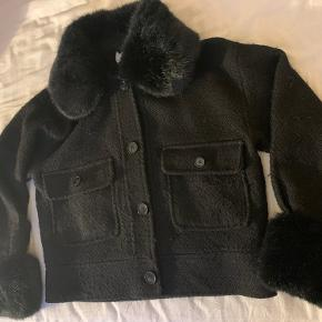 Neo Noir Palm Faux Fur Jacket from 2019.   New Price was 1200kr