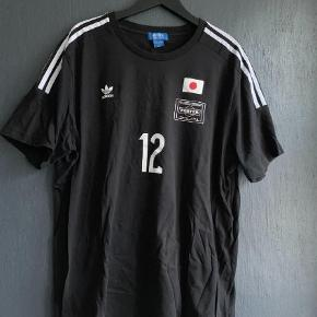 Brand: Adidas x Porter Varetype: T-shirt Farve: Sort  Adidas X PORTER